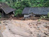 Banjir Terjang Desa Banaran, 3 Rumah Hanyut dan Tertimbun Tanah