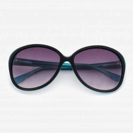 Óculos de Sol exclusivo Carmen Steffens. Este aqui é Exclusivo, e o modelo  dele já é um pouco mais Despojado, Moderno, ele tem 2 cores dentro é Azul  Claro, ... aa781d45ce