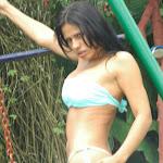Andrea Rincon, Selena Spice Galeria 26 : Polo Gris – My Biggest Fan.. a Chicken Foto 57
