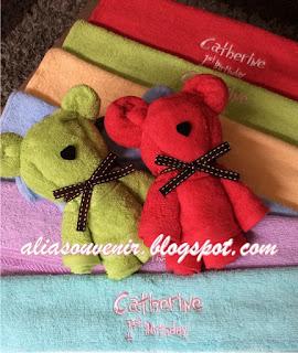 souvenir handuk bentuk beruang