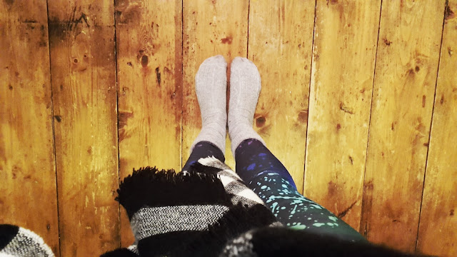 Project 365 2017 day 5 - Yoga socks and shawl // 76sunflowers