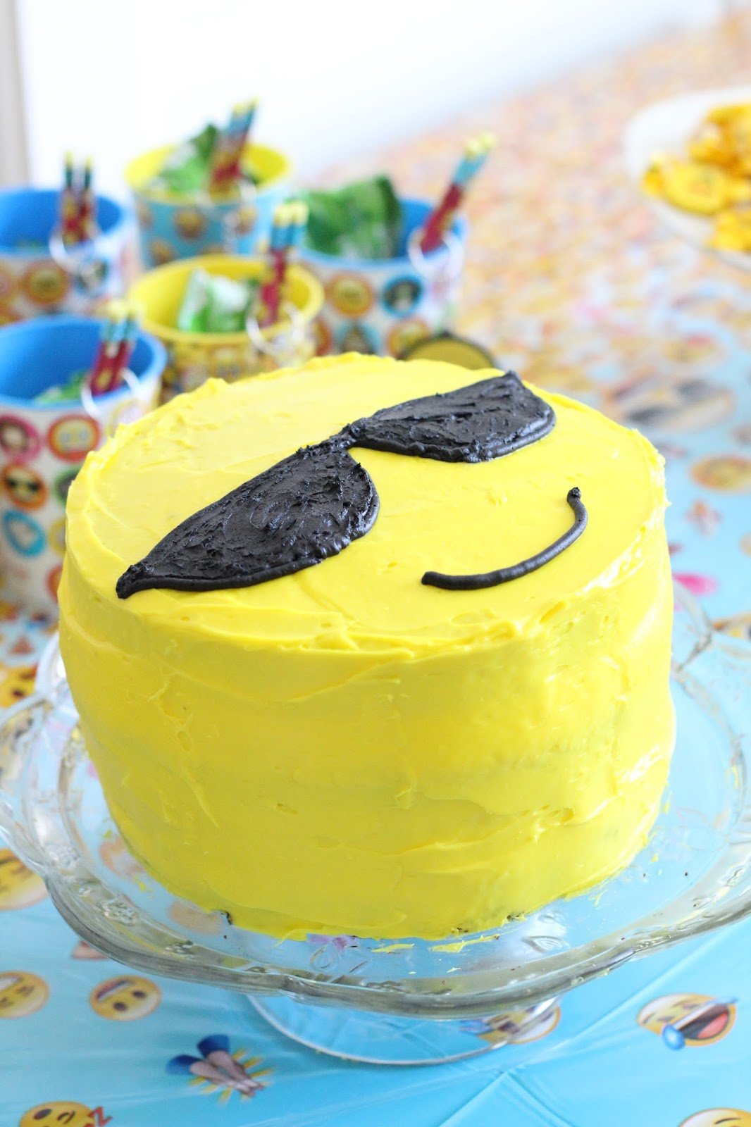 How to DIY Emoji Cake, simple