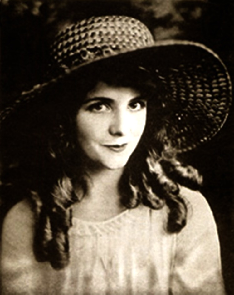 A Vintage Nerd Woodlawn Cemetery Mary Pickford Burial Vintage Blog Where Old Hollywood Stars are Buried Olive Thomas