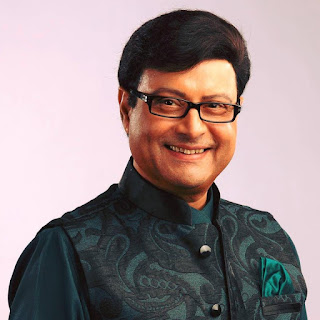 Sachin Pilgaonkar daughter, movies, daughter name, marriage photos, family, house, son, daughter of sachin pilgaonkar, family photo
