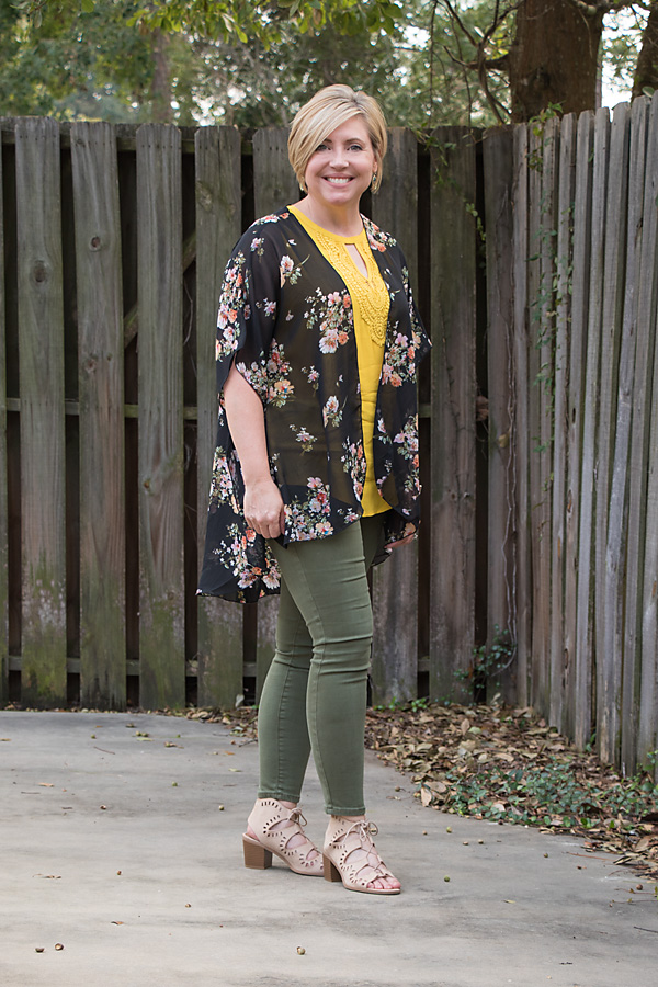 olive jeans outfit, kimono outfit, fall outfit
