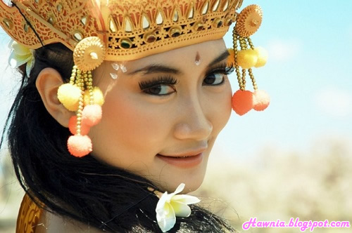 Eksotisme-Gadis-Pulau-Dewata-harian-wanita-indonesia-hawania