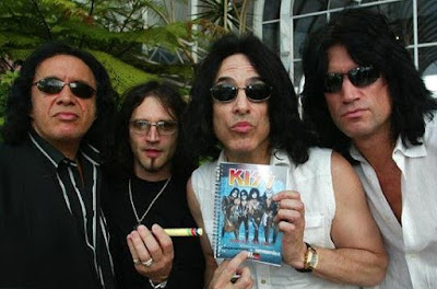 Foto de la Banda Kiss fuera de los escenarios