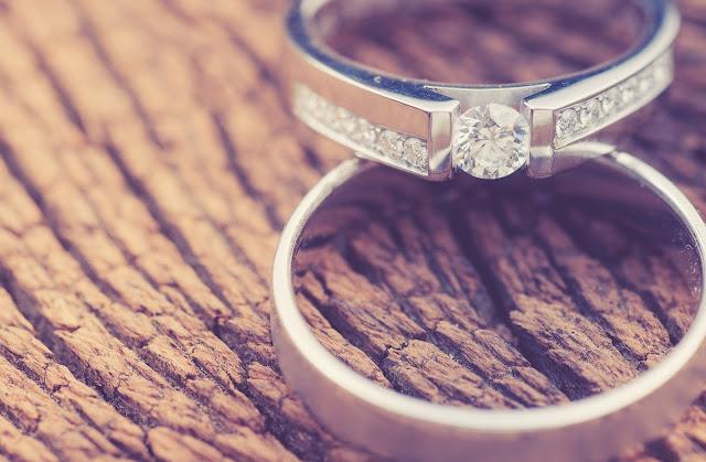 Kenapa Menikah Harus Bertukar Cincin?
