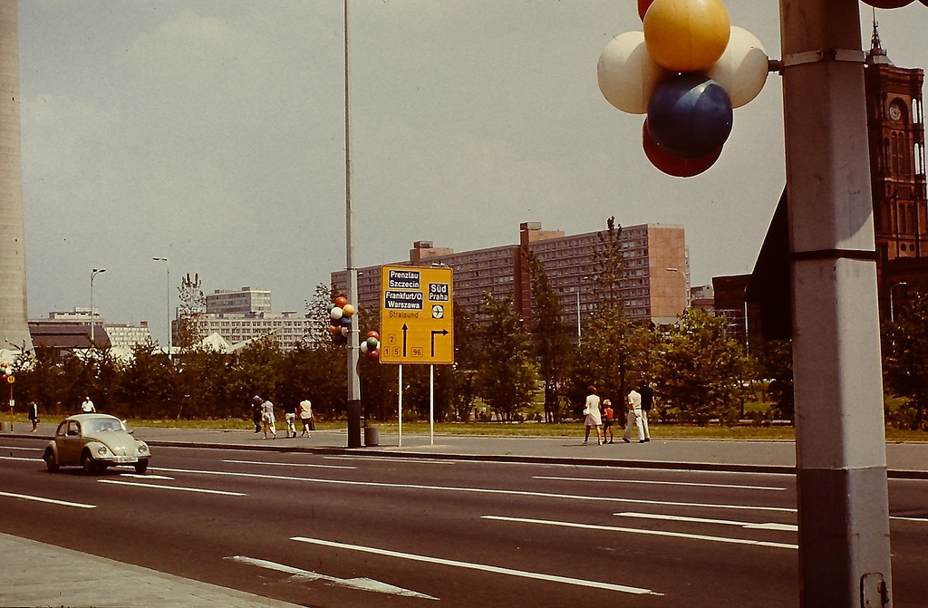 Berlin in the 1970s - Amazing Color Pictures Show the ...