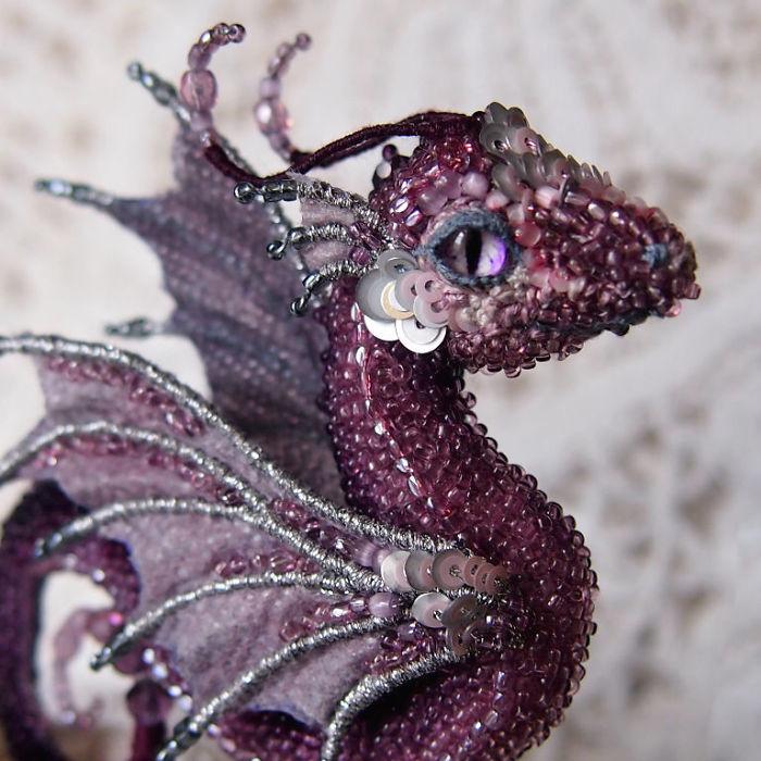 Broches de dragón de cuentas artesanales por Alyona Lytvin