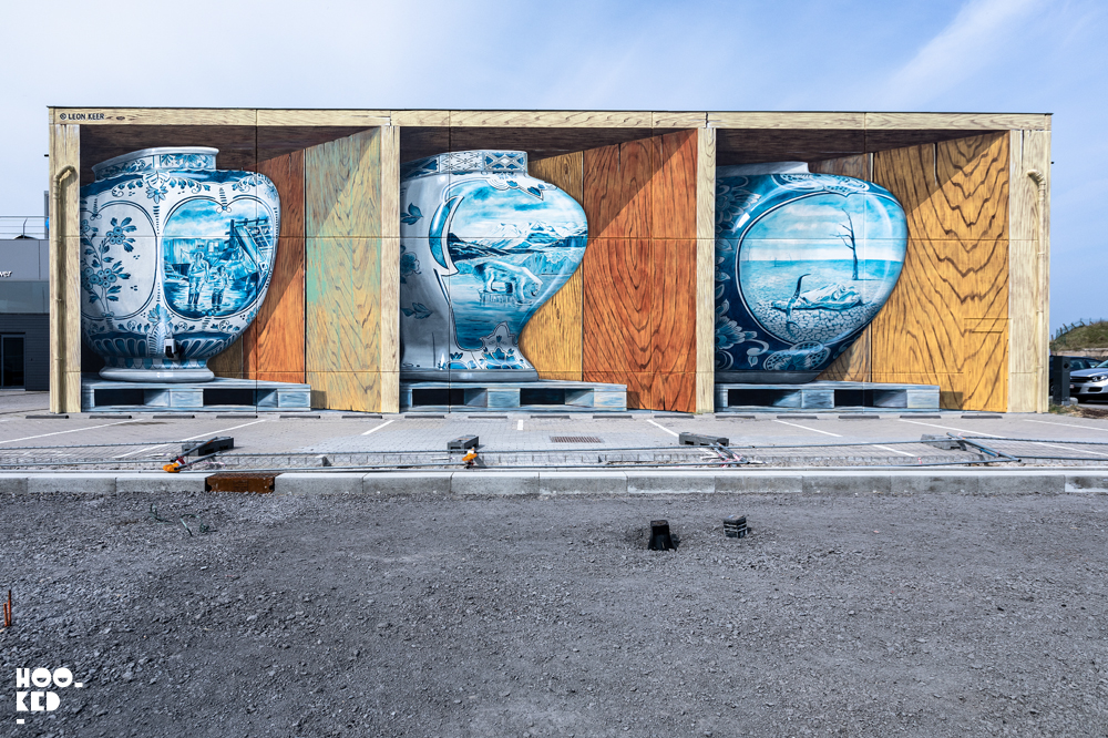 Finished 3D delph vase Mural by Leon Keer in Ostend, Belgium