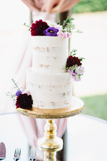 shades of purple wedding cake