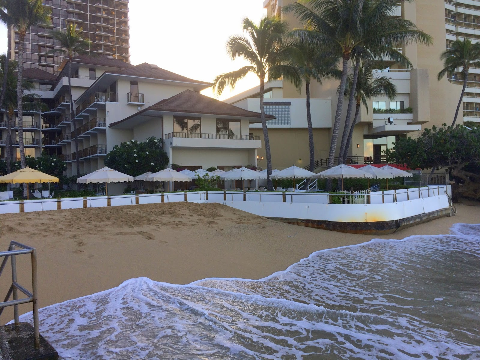 Aloha From Hawaii Low Tide High Tide And Now King Tide