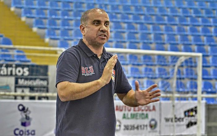 Xande é confimado como ténico do Blumenau Futsal para 2018 f66f5c2d8302a