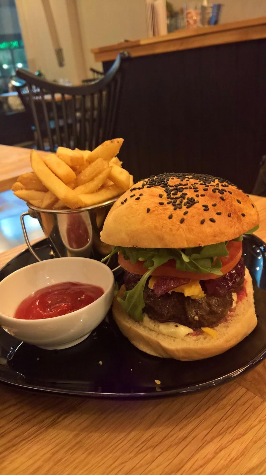 bistro soppa jyväskylä hampurilainen burger hampurilaistesti mallaspulla