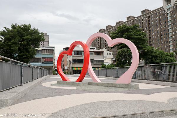 台中南屯|豐富公園|滑板練習場|雙心造景|陽光草坪|兒童遊戲區