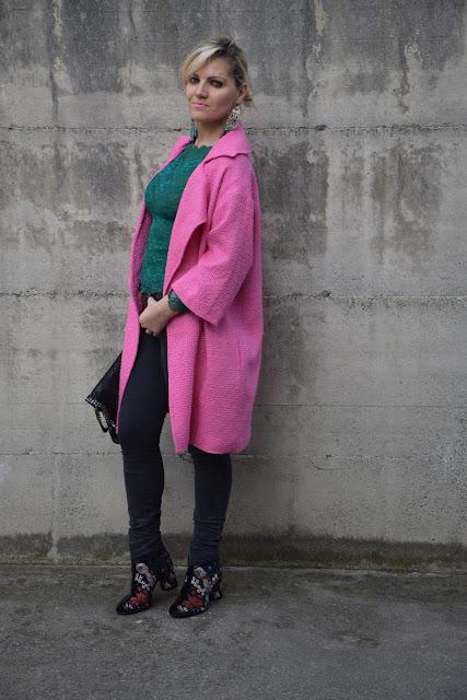 outfit cappotto rosa come abbinare un cappotto rosa abbinamenti cappotto rosa mariafelicia magno fashion blogger colorblock by felym fashion blogger italiane blog di moda outfit primaverili outfit marzo 2017