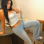 Andrea Rincon, Selena Spice Galeria 37 : Jean Azul y Top De Jean Con Cremallera Foto 4