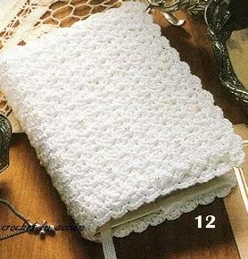 http://crochetenaccion.blogspot.com.es/2012/03/forra-tu-libro-favorito.html