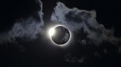 Apakah Berbahaya Gerhana Matahari Untuk Ibu Yang Sedang Hamil?, penjelasannya seputar tentang Apakah Berbahaya Gerhana Matahari Untuk Ibu Yang Sedang Hamil?