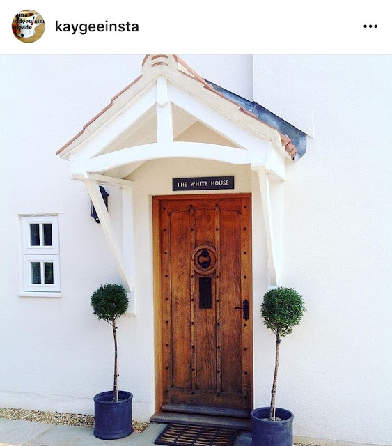 Inspiration on how to create a stunning entrance to your home, featuring some of the most beautiful real-life homes from social media
