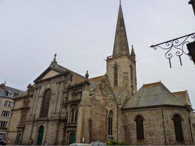 Catedral de Saint-Vicent en Saint Malo.