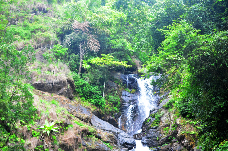Iruppu Waterfall