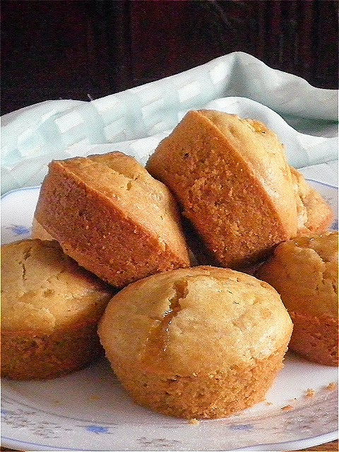 Muffin Recipe @ http://treatntrick.blogspot.com