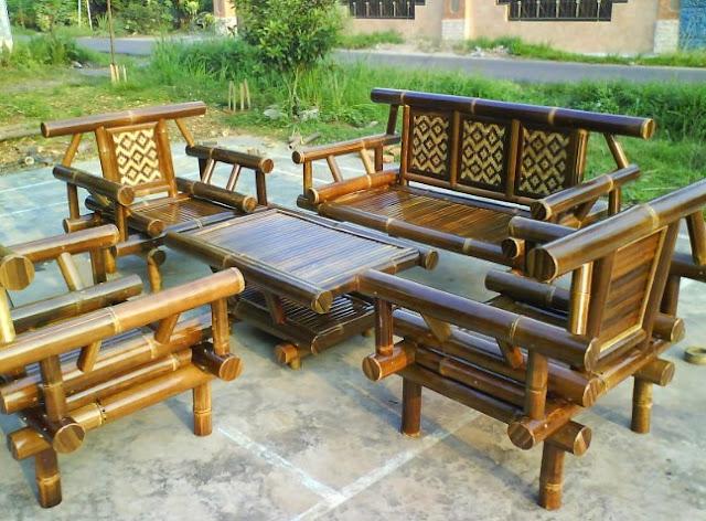 Kerajinan Kursi Taman dari Bambu