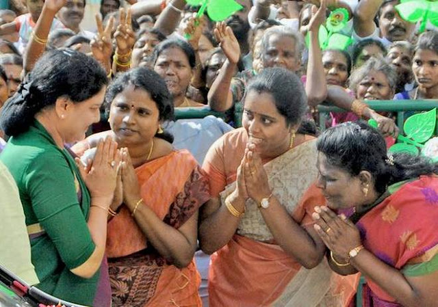 No clarity on date for Sasikala's swearing-in