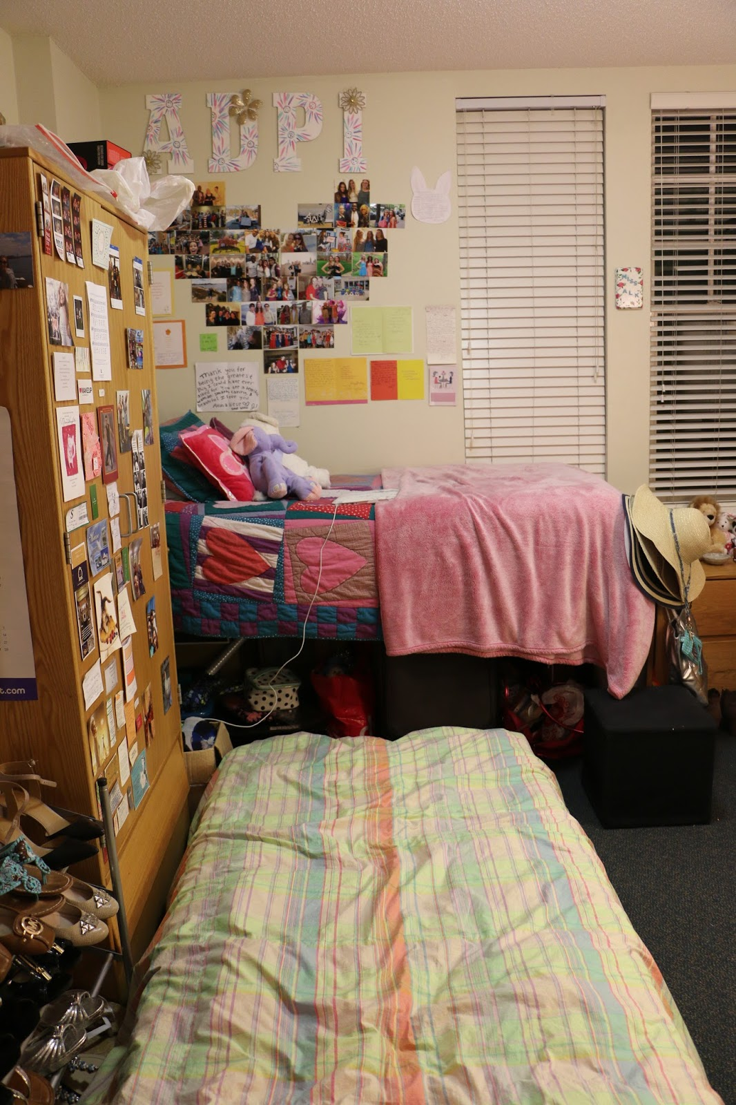 Senior Year Dorm Room Tour + 4 Reasons Why I'm Glad I Lived on Campus.