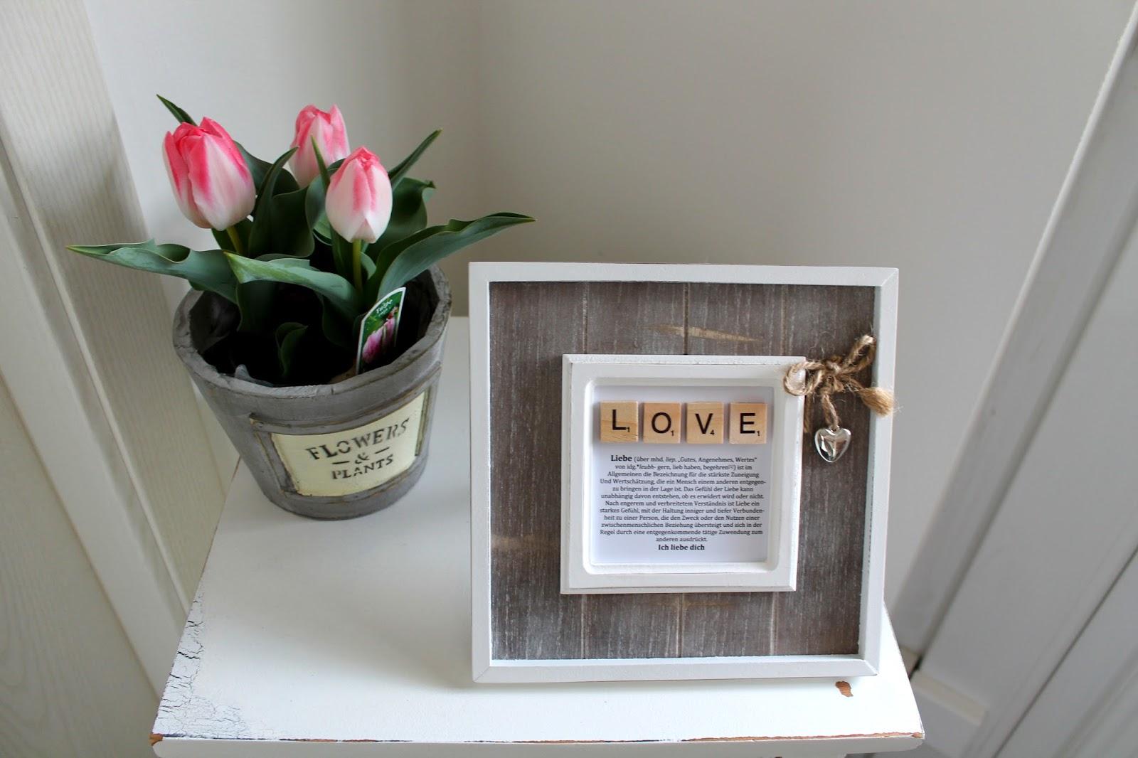 DIY, Basteln: Bilderrahmen Liebe Love mit Scrabble Buchstaben in Liebesgeschenk und Geschenkideen - DIYCarinchen