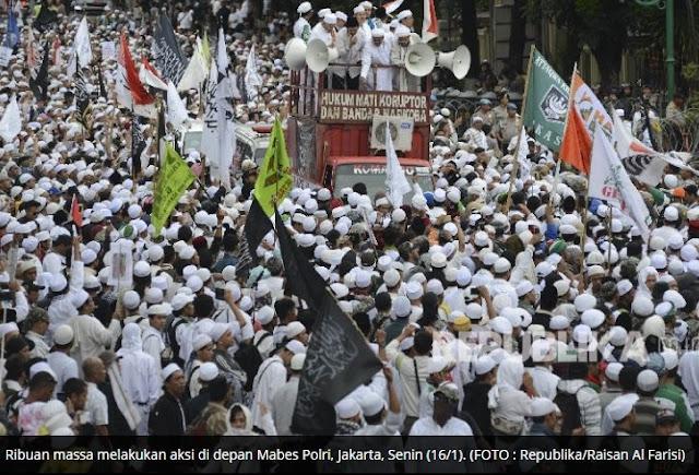 Massa Ormas Islam Demo Mabes Polri Tuntut Pemecatan Kapolda Jabar