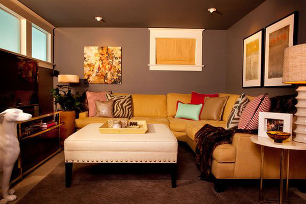 aydınlık oturma odası dekorasyonu