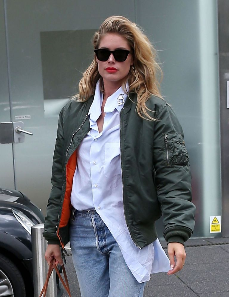 Doutzen Kroes Urban Street Style in London