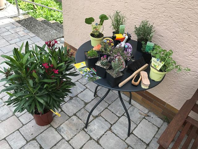 unsere Gartenmesse-Einkäufe (c) by Joachim Wenk