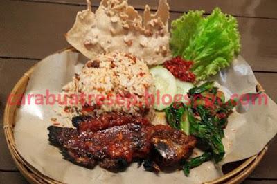 Foto Resep Nasi Tutug Oncom Sederhana Spesial Pedas Khas Sunda Bandung, Jawa Barat, JABAR Komplit Sambal Pedas Sajian Sedap Sekejap Langsung Enak