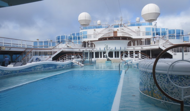 Diamond Princess - Pool