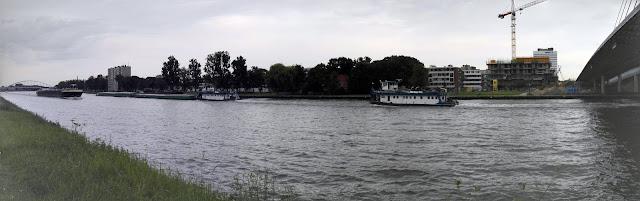 Amsterdam-Rijnkanaal met Prins Clausbrug.