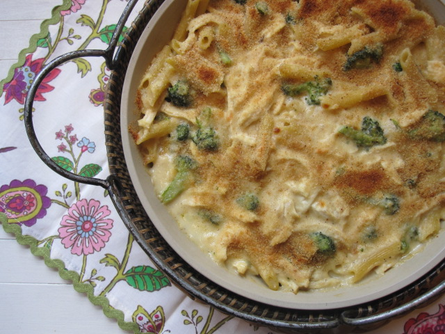 Chicken Broccoli Tomato Pasta Bake