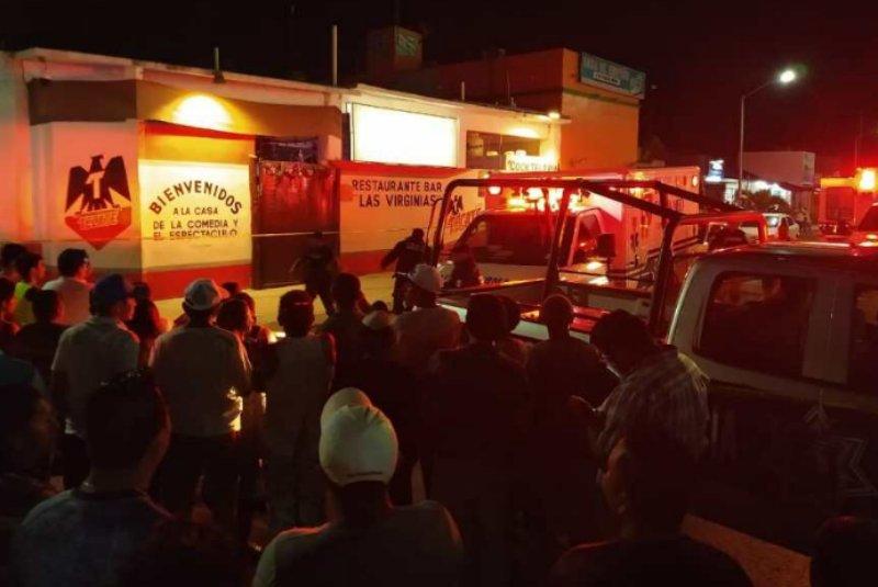 Sicarios atacan bar y matan a 7 en Playa del Carmen