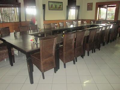 meeting room rumah makan/restoran/ Warung Nasi Ampera