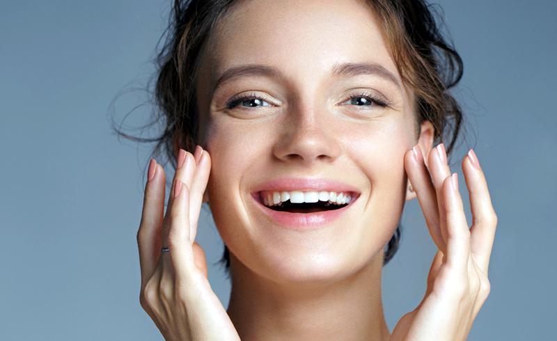 5 foods support happy, healthy skin.