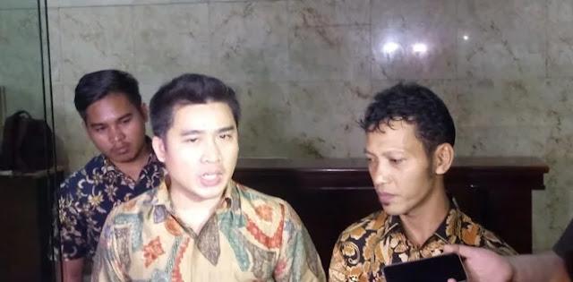 Andi Arief Laporkan Lima Pendukung Jokowi ke Polisi