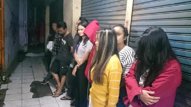 Duh! 9 ABG di Depok Kumpul Kebo dan 'Wik Wik' di Kosan Digerebek Polisi