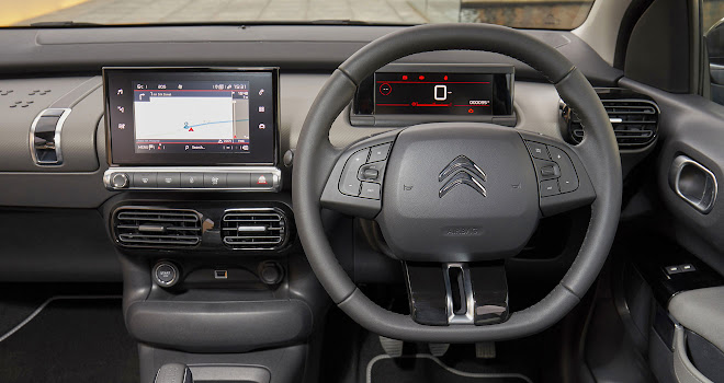 Citroen C4 Cactus 2 wheel and instruments