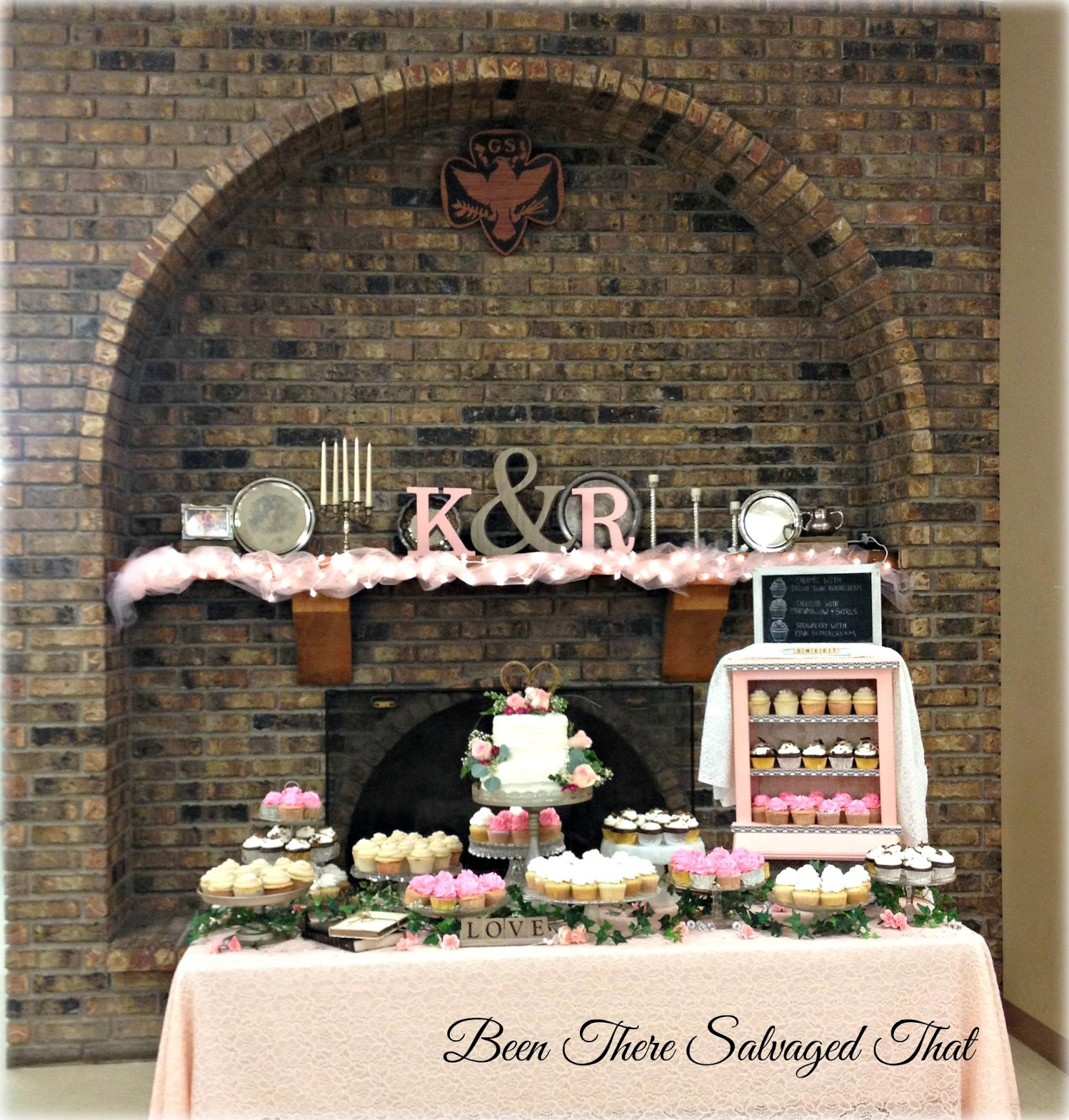 Been There Salvaged That: Wedding Cake/Cupcake Table