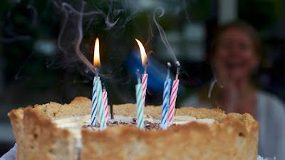 mengapa wanita suka merayakan ulang tahun?