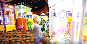 These Arcade Claw Machine Hacks Are Guaranteed to Make You Win Every