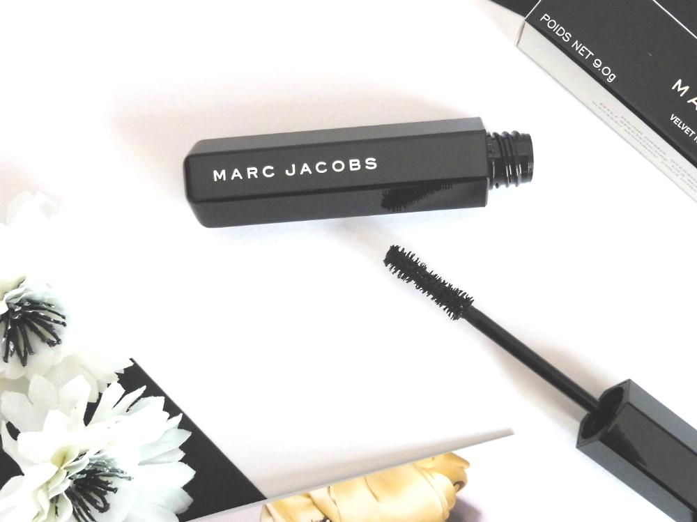 Test du mascara Velvet noir Marc Jacobs - Par Lili LaRochelle